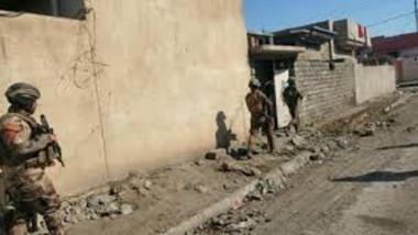 """العثور على سجن كبير لـ""""داعش"""" فيه عشرات المحتجزين بالموصل"""