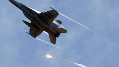 تدمير مخزن للأسلحة والأعتدة بقصف جوي غرب الموصل
