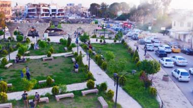 شاب موصلي تتقاذفه الأشواق بين العودة لمدينته والرحيل عنها للأبد