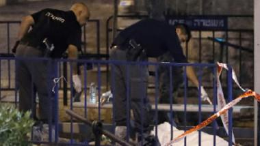 قوّات الاحتلال تقتل 3 فلسطينيين هاجموا  القدس فأردوا شرطية وجرحوا 2 آخرين