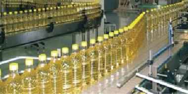 التجارة تبرم عقدا لشراء (١٠٠) ألف طن من مادة زيت الطعام