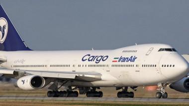 طائرات إيرانية تنقل مواد غذائية إلى قطر
