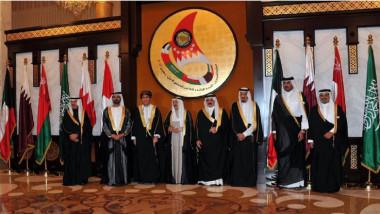 قطر في عزلة سياسية وجغرافية وواشنطن تعرض الوساطة