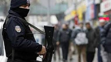 قوّات الأمن التركية توقف مستشار رئيس الوزراء «بيرول أردام»