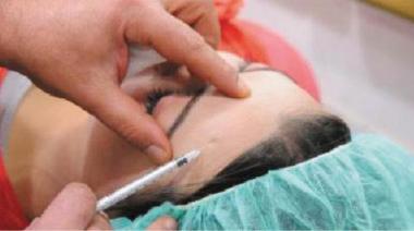 مراكز التجميل غير المرخّصة تفاقم دعاوى الأخطاء الطبية