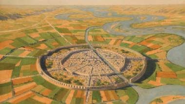 أشهر المعاهدات التي عقدتها بغداد في زمن الدولة العباسية