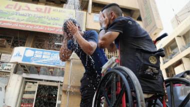 عراقيون يسخرون من ارتفاع درجة الحرارة عبر مواقع التواصل الاجتماعي