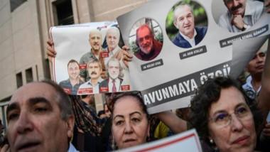 إفراج مشروط عن سبعة صحافيين في «جمهورييت» التركية