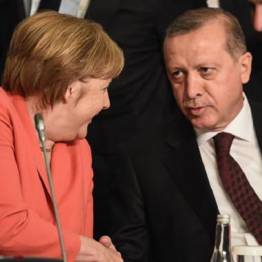 """المعارضة التركية في ألمانيا تتحول الى """"صداع رأس"""" عند أردوغان"""