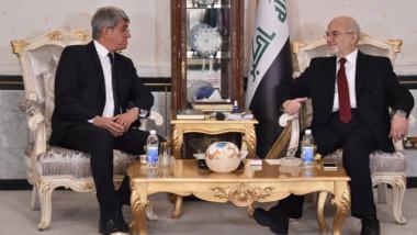 العراق يدعو إلى إطلاق أمواله المجمدة في البنوك الفرنسية