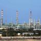 النفط يهبط متأثراً بارتفاع إنتاج أوبك