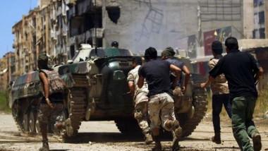 اندلاع اشتباكات ضارية شرقي العاصمة الليبية طرابلس