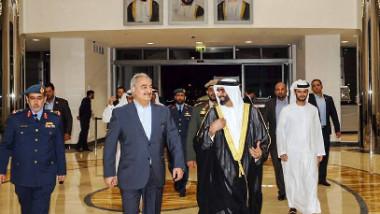 الشيخ محمد بن زايد يستقبل المشير خليفة حفتر في أبوظبي