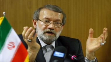 لاريجاني يؤكد للحكيم ممانعة إيران لتقسيم العراق