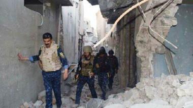 """داعش يريد تحويل الموصل القديمة إلى """"كوباني"""" العراقية مناشدات لإنقاذ مئات العائلات من تحت الأنقاض"""
