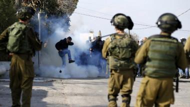 إصابة فلسطينيين 2 وجندي إسرائيلي في اقتحام مخيم الدهيشة