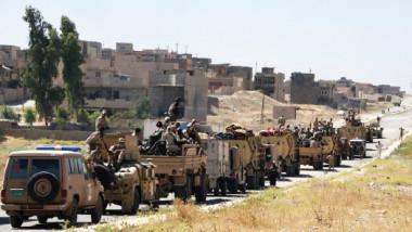 """""""مكافحة الإرهاب"""" يرفع العلم العراقي فوق قلعة تلعفر بعد تحرير 60 % من مساحة القضاء"""