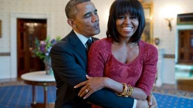 """تهنئة رومانسية من """"ميشيل"""" إلى """"أوباما"""" في يوم ميلاده"""