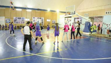 عبطان يجدد دعم الوزارة للرياضة النسوية للارتقاء بمستواها