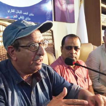 الروائي أحمد الخزاعي ضيفاً على قاعة النخب للتبادل الفكري، في شارع المتنبي وحفل توقيع رواية الحشر