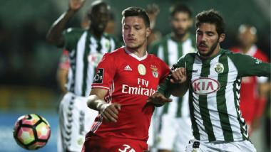 «البرتغالي» الوحيد بين الدوريات الأوروبية الكبرى من دون «مدربين أجانب»