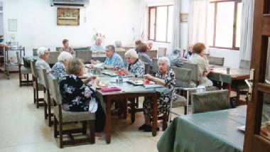 حكاية رعاية المسنين بدأت من فترة العشرينيات بين مد وجزر
