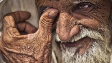 دور رعاية المسنين.. حكاية بلا نهاية