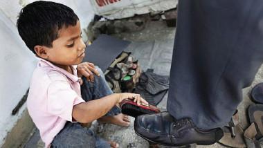 «التربية» 20 % من الطلبة يتسربون خارج المدارس
