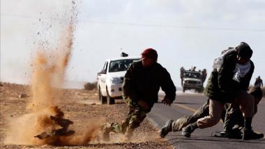 رسائل متباينة: لماذا وجّه العراق ضربات عسكرية داخل سوريا؟