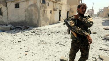 مقتل 64 عنصرا من قوّات الجيش وتنظيم داعش إثر معارك في الرقة السورية