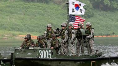 أميركا وكوريا الجنوبية تبدآن تدريبات عسكرية تستخدم المحاكاة بالكمبيوتر