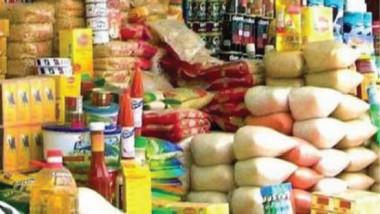 التجارة ترسل وجبةً جديدةً من السكر وزيت الطعام إلى أيمن الموصل