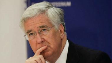 وزير الدفاع البريطاني يؤكد استمرار بلاده بدعم العراق