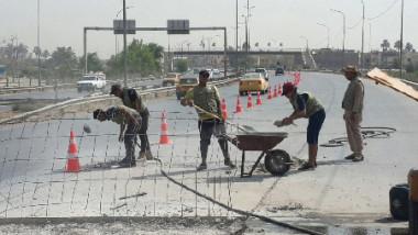 أمانة بغداد تنفّذ أعمال الصيانة المؤقتة لتخسفات الطريق السريع