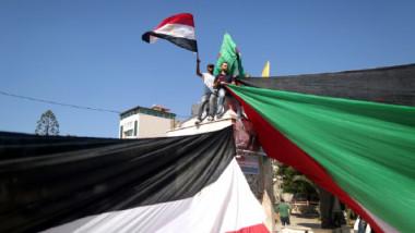 إسرائيل تؤكد عدم تسليم حماس سلاحها للسلطة الفلسطينية
