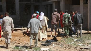 العثور على عشرات الجثث لمجهولين قرب مدينة بنغازي الليبية
