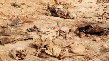 العثور على 10 مقابر جماعية لعسكريين ومدنيين في الحويجة