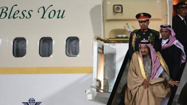 التوترات الماضية تلقي بظلالها على زيارة الملك سلمان إلى موسكو