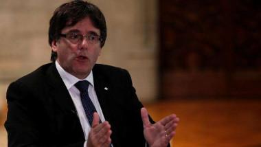 إسبانيا تطالب زعيم كاتالونيا «بقرار رشيد» مع اقتراب انتهاء مهلة