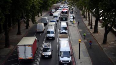 لندن تفرض ضريبة جديدة على السيارات الأكثر تلويثاً للهواء