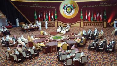 أمير الكويت يحذّر من توسّع أزمة الخليج وتصدّع مجلس التعاون