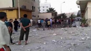 طائرة حربية مجهولة تقصف مدينة  «درنة» وآلاف النازحين عالقون في صبراتة