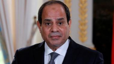 مصر تعيّن رئيساً جديداً لأركان الجيش وتغيّر قيادات في الشرطة