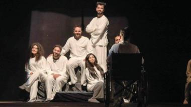 العراق يحصد جوائز التفوق في مهرجان الكويت لمسرح الشباب العربي