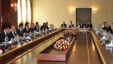 الكتل الكردستانية تدعو للعودة  الى طاولة الحوار والقيام بـ «خطوات مرنة»