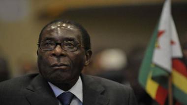 الجيش يسيطر على السلطة في زيمبابوي