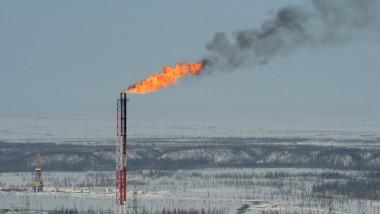 السعودية تستأنف ضخ النفط إلى البحرين