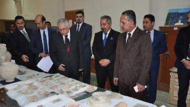 المتحف العراقي يتسلم 141 قطعة أثرية