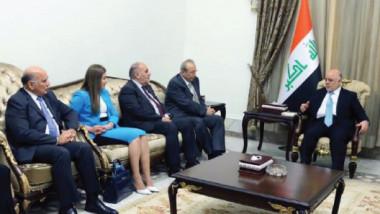"""""""الديمقراطي الكردستاني"""" يقدّم حزمة تنازلات إلى الحكومة الاتحادية لإنهاء أزمة الاستفتاء"""