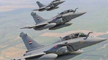 """القوة الجوية المصرية تشن هجمات كبيرة على مخابئ """"داعش"""" في شمالي سيناء"""